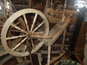Nice antique SPINNIG WHEEL