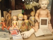 Erinevad plastikust antiiksed mänguasjad
