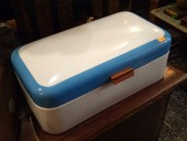 VINAGE ENAMEL BREAD BOX